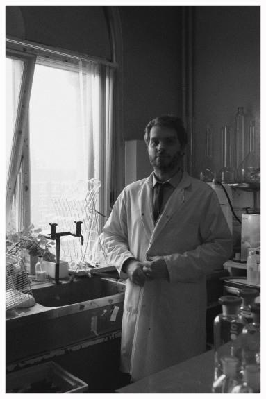 Dr Douglas Howser
